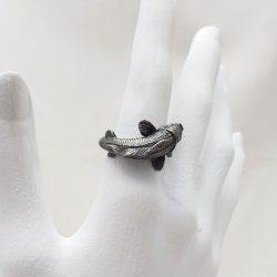 Porca Miseria anillo carpa plata