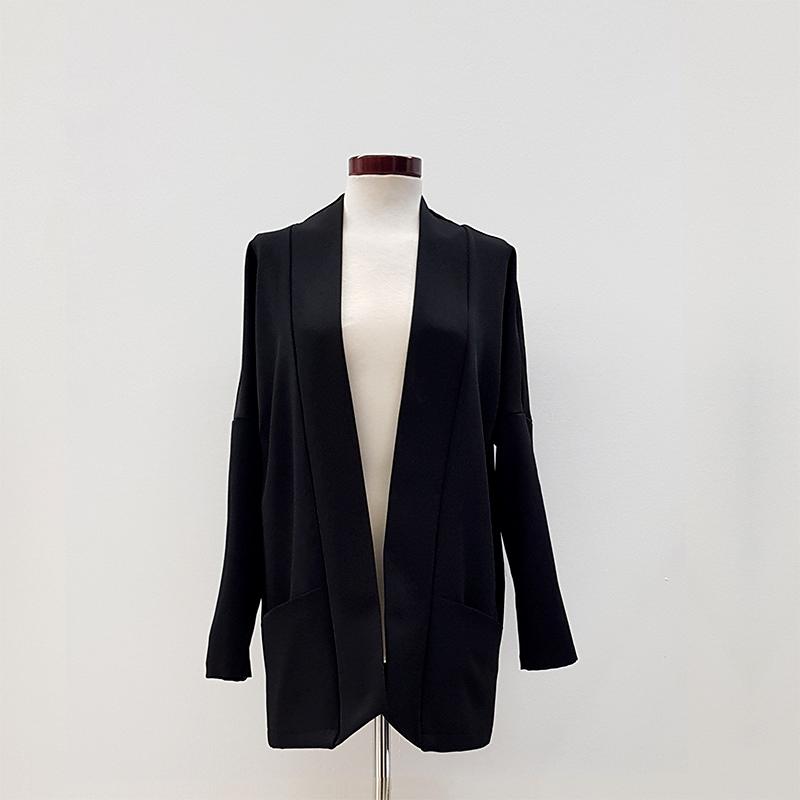 Blazer kimono negro