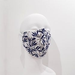 Mascarilla reutilizable algodón blanca hojas azules