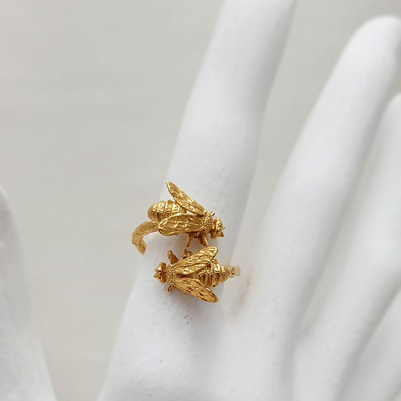 Anillo Porca Miseria abejas plata bañada en oro