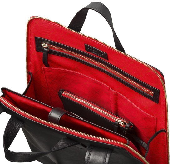 urban-backpack-vegan-bag-black-red-interior2