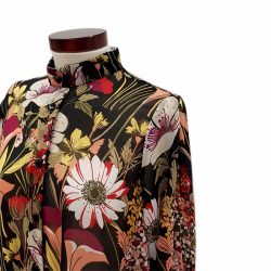 Camisa recta gasa negra tulipanes