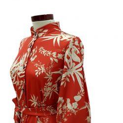 Vestido capa camisero satén rojo teja flores