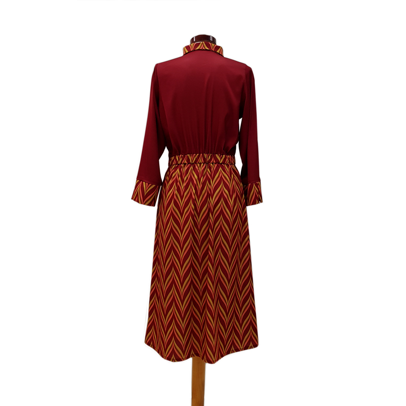 Vestido camisero frunce zig zag burdeos