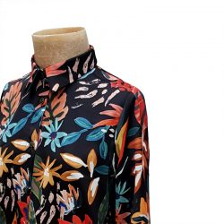 Camisa recta satén negro hojas colores