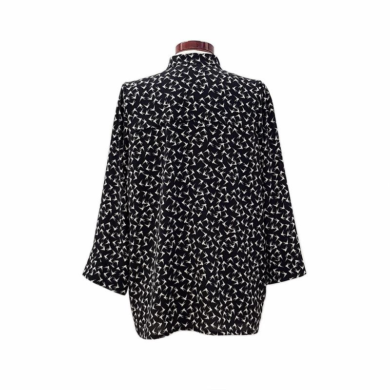 Norma-bates-camisa-pajaros-negro-3