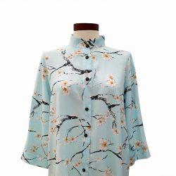 Camisa recta viscosa azul flores cerezo