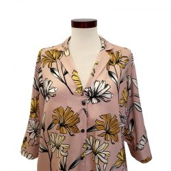Camisa cuello solapa viscosa rosa margaritas