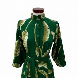 Vestido capa cuello mao verde hojas