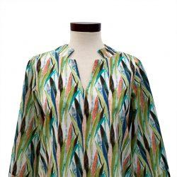 Blusa cuello abierto algodón hojas colores