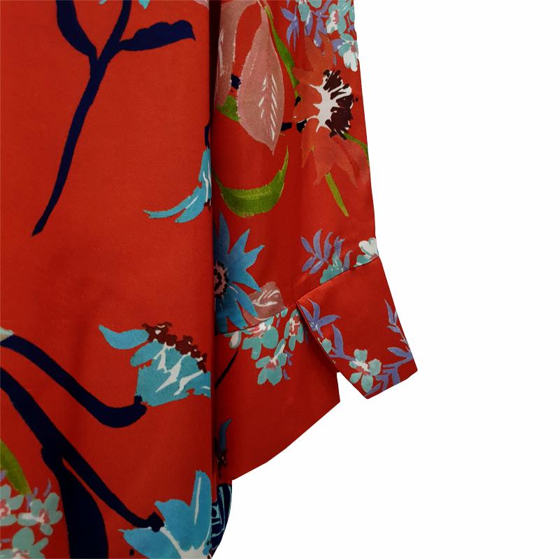 Camisa recta seda roja flores